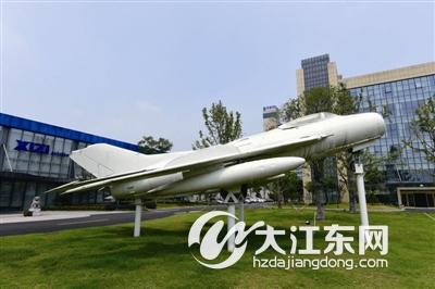 5米的飞机舱门,涉及了30多项航空特种工艺技术